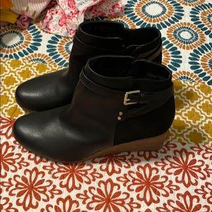 NWOT Dr. Scholls Wedge Heeled Black Boots